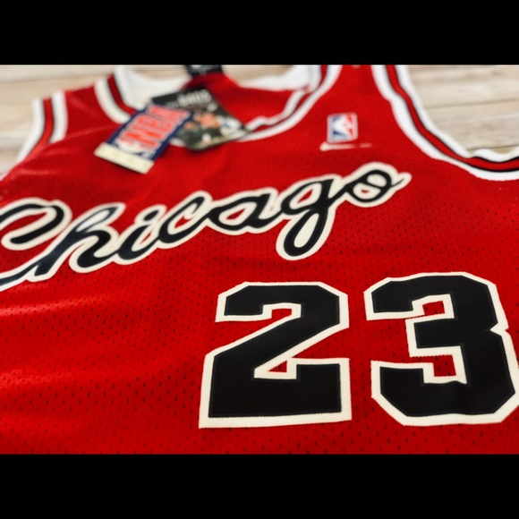 huge discount 35c14 f6e2b NWT Nike Jordan Bulls Flight 8403 Jersey Men's M NWT